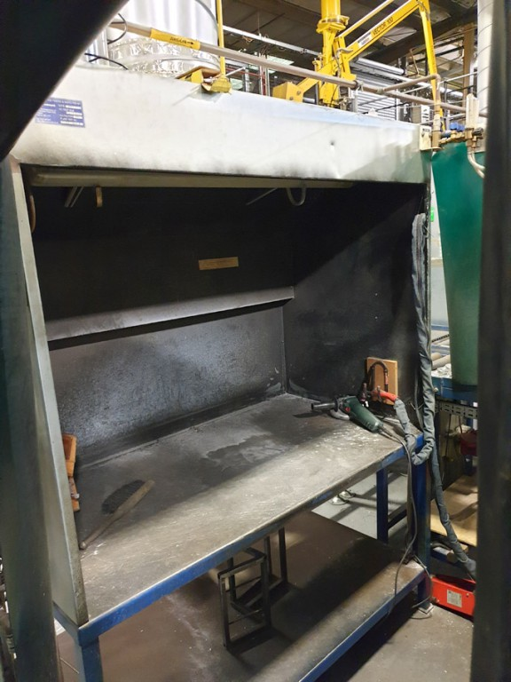 Welding booth with welding bench & Lorch V30 tig w...