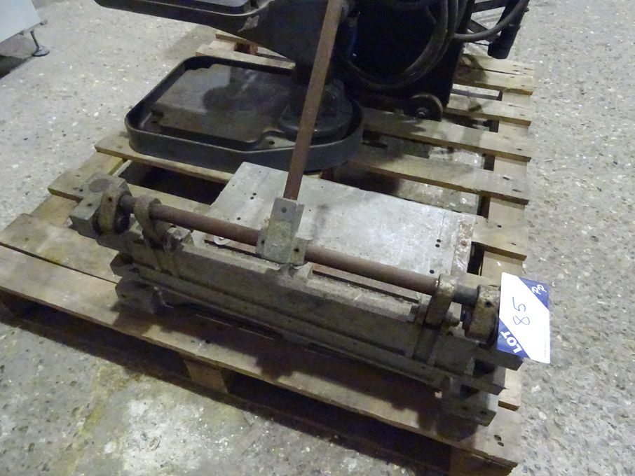 Manual lever paper / card guillotine - Lot located...