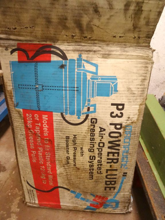 Macnaught P3 power lube air operated greasing syst...