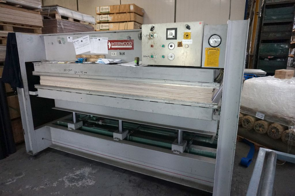 Interwood IMP hydraulic veneer / laminating press,...